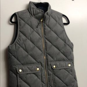 Gray J Crew quilted vest size small